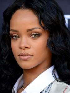 Rihanna_AP