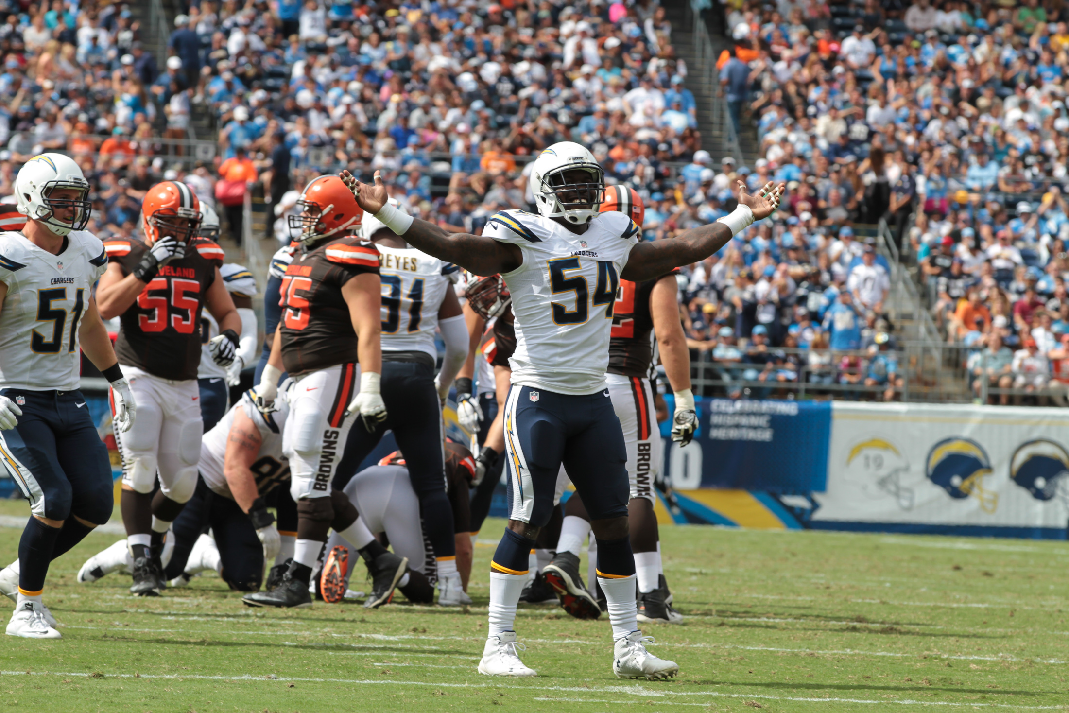 San Diego Chargers Beat Cleveland Browns with late Field Goal 30