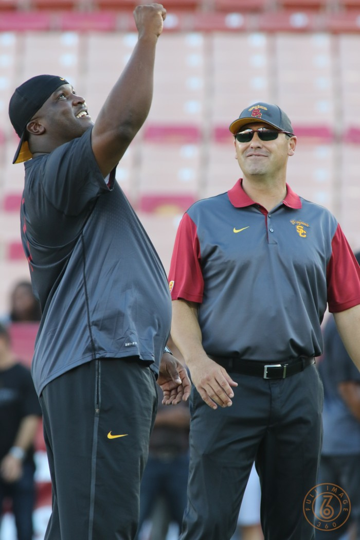 USC Head Coach Steve Sarkisian and Assistant Tee Martin.  Photo:  Jevone Moore