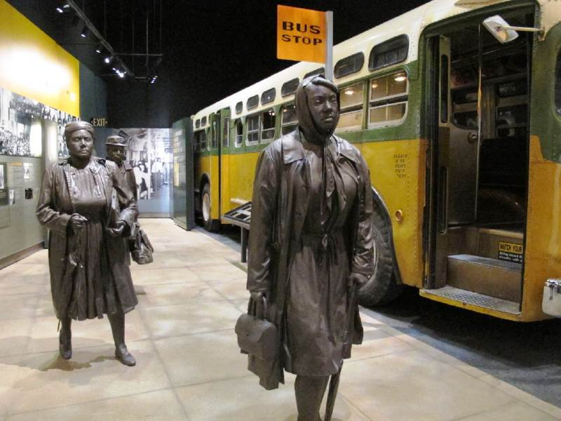mongomery bus boycott Montgomery bus boycott part of life in the southern states in the 1950's included specific local and state laws that required that black americans sit in the back of the bus as well as a requirement that they give up their seats if a white person needed the seat.