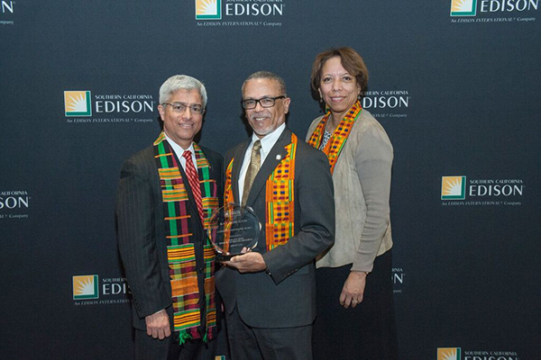 Southern California Edison (SCE) President Pedro Pizarro (left), joined in congratulating David M. Carlisle (middle), MD., Ph.D., CEO and president of Charles R. Drew University of Medicine and Science; and Janet Clayton (right), Corporate Communications, Edison International and Southern California Edison at SCE's 14th Annual Black History Month celebration Feb. 5 in Irwindale.  Dr. Carlisle received SCE's Community Partnership Award at the event which honored three African-American business and company partners for their achievements and contributions to economic growth, service to the community and participation in energy efficiency programs.