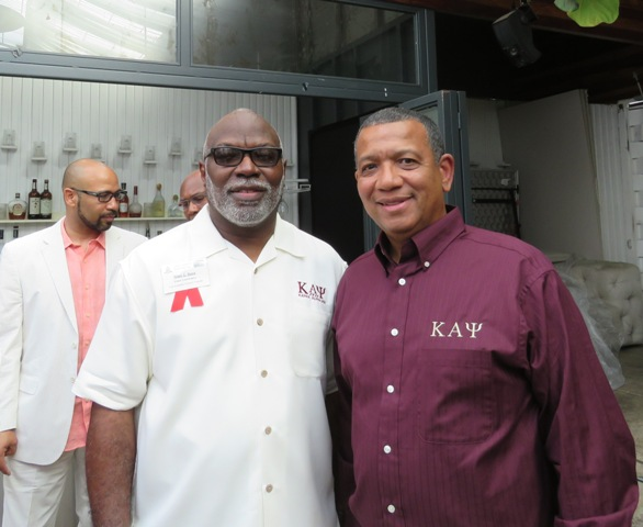 (L-R) Rhen Bass and Walter Henry (photo by Gary Harbour)