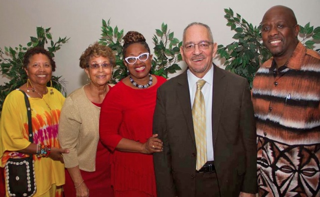 (From left to right) Dr. Toni Mokjaetji Humber, retired professor of African Studies at Cal-State, Pomona; Rev Judi Wortham-Sauls, first lady and event chair; Sandra Hardy, co-leader, Holman UMC; Rev. Dr. Jeremiah Wright, Pastor Kelvin Sauls. (photo by Jules Green/Holman UMC)