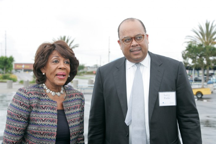 Congresswoman Waters and Larry Parks from the Federal Home Loan Bank of San Francisco. (Photo by Mike Jones)