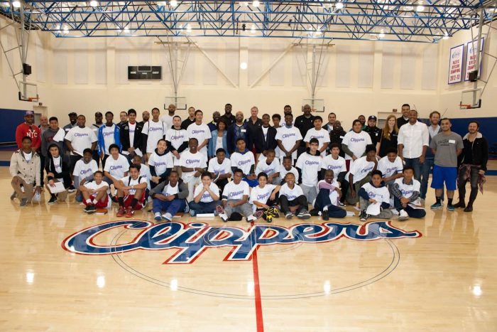 CBMLA Mentors/Mentees and LA Clippers Mentors Assist Zone.