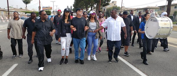 5- On Saturday morning July 16, more than two thousand men women and children of all races came out and march the 2.5-mile route from 120th & Vermont to Magic Johnson Park. (photo by Alonzo Neal)