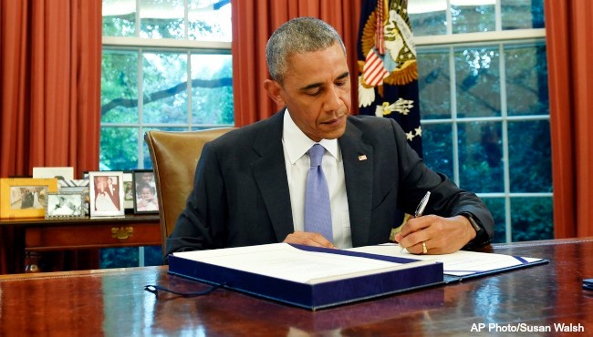 obama-oval-office-pic-2-ap