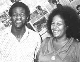 Singer Al Green stops by the SOUL Newspaper office in 1974 to visit publisher Regina Jones. (Courtesy Photo)