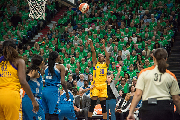 Nneka Ogwumike finished the season first in field goal percentage (0.667) and third in rebounds per game (9.1) (Brian Few Jr./T.G.Sportstv1)