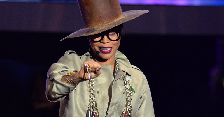 Erykah Badu will host the 2016 Soul Train Awards, airing on BET and Centric