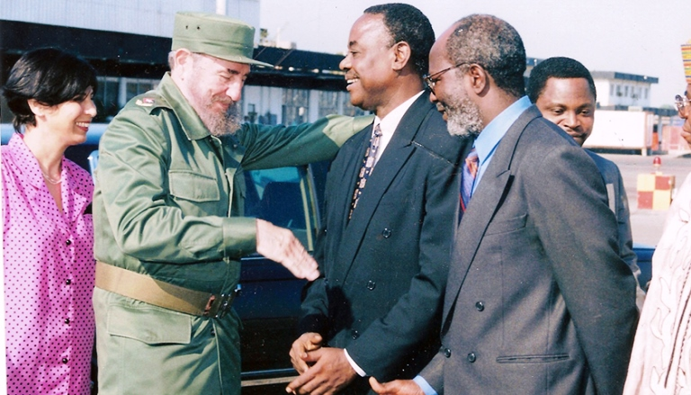Cuban President Fidel Castro (second from left) and former Nigerian presidential Adviser Onyema Ugochukwu (center) at Havana, Cuba (Circa 1999). (Wikimedia Commons)
