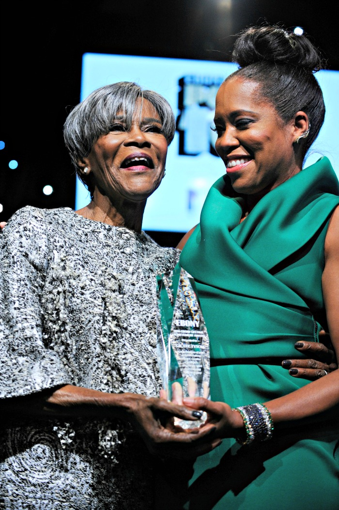 (L to R) Lifetime Achievement Recipient Cicely Tyson as award-winning actress Regina King applauds. (Courtesy of Ebony Media)