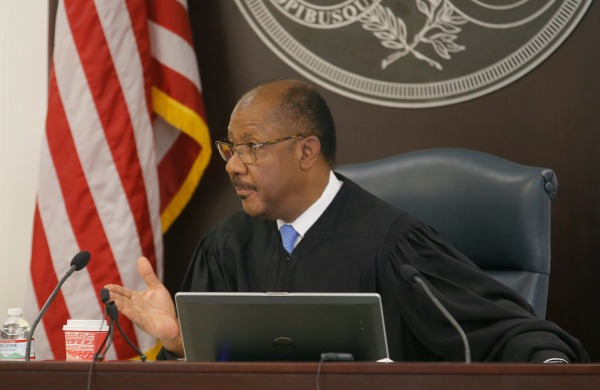 Judge Clifton Newman speaks during Former North Charleston Police Officer Michael Slager's murder trial, Monday, Nov. 7, 2016, in Charleston, S.C. (AP Photo Grace Beahm)