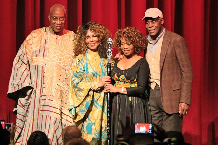 (l-r) Ayuko Babu, Ja'Net DuBois, Alfre Woodard and Danny Glover pictured following Woodards' Lifetime Achievement Award speech.