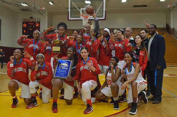 The Westchester girls basketball team (Amanda Scurlock/L.A. Sentinel)