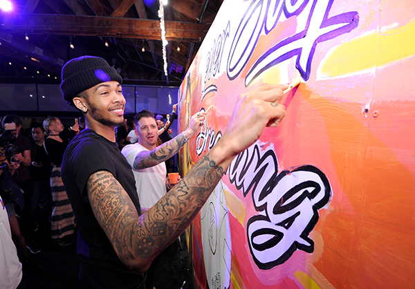 Los Angeles Lakers' Brandon Ingram attends Delta's first 'Beyond the Court' event where he teams up with iconic street artist Jonas Never to create a mural display with fans at The Rose Room in Venice, CA (John Sciulli/Getty Images for Delta)
