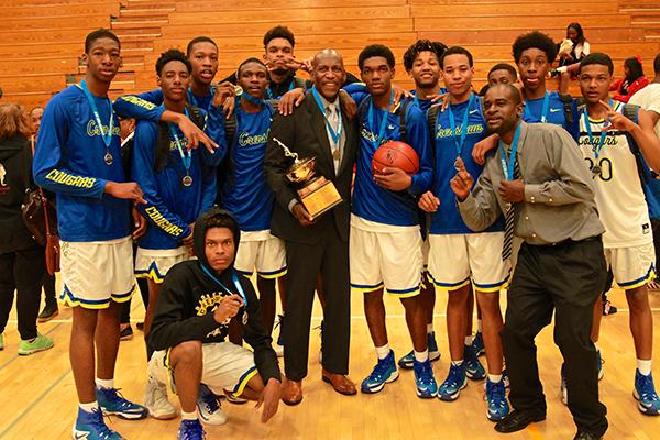 The Crenshaw boys basketball team (E. Mesiyah McGinnis)