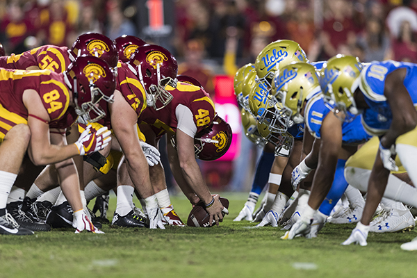 Usc And Ucla Football Rely On Youth For The New Season Los