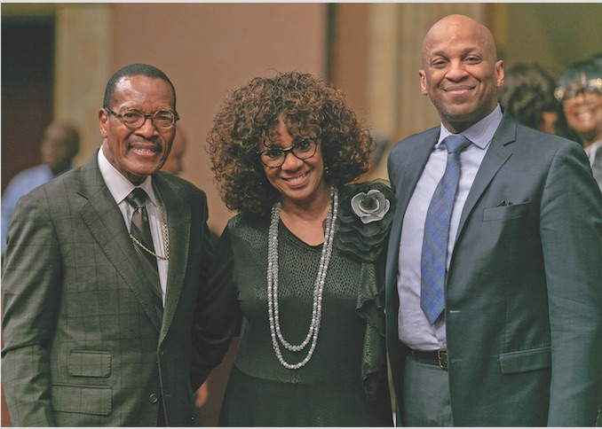 Donnie McClurklin Delivers Powerful Word at West Angeles - Los