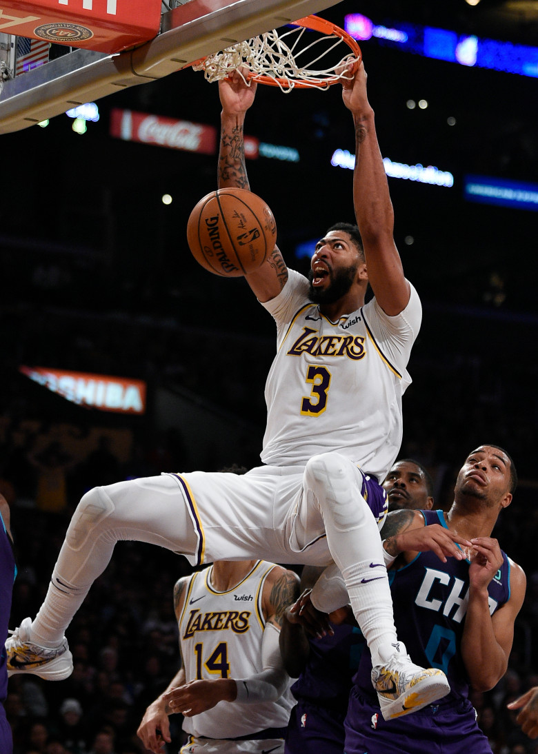 Lakers Anthony Davis And Dwight Howard Lead Team To Win