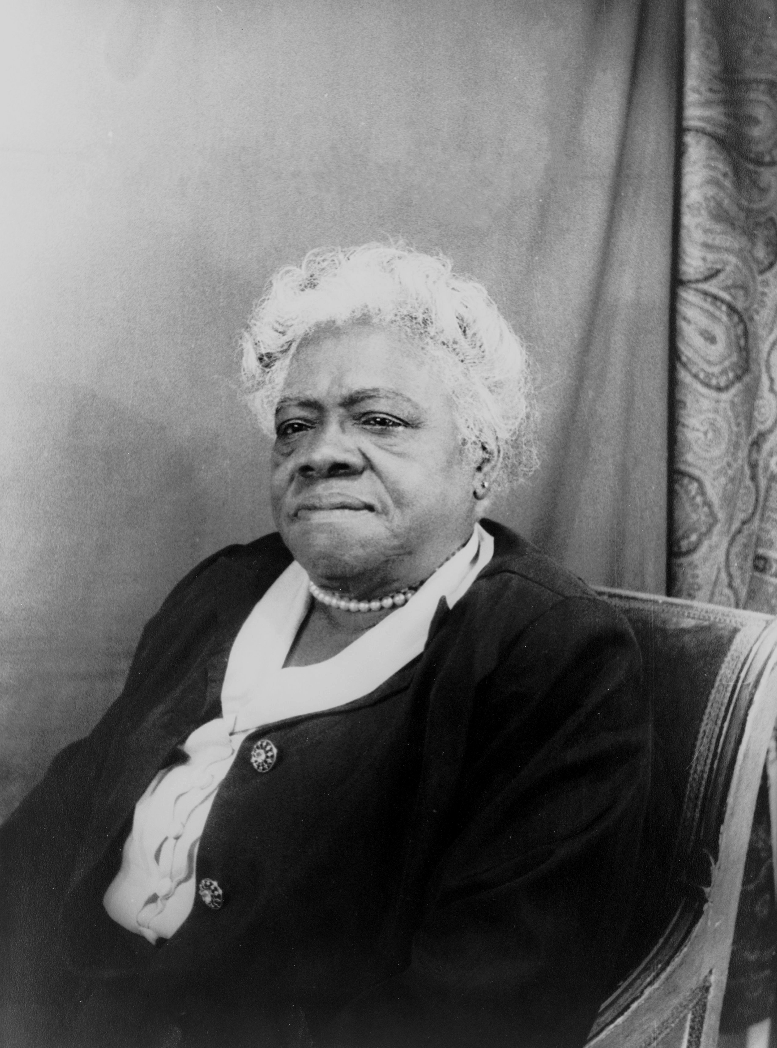 April 25: Dr. Ralph Bunche, W.E.B. Du Bois and Mary McLeod Bethune attended a conference in CA that led to the founding of the United Nations, 1945